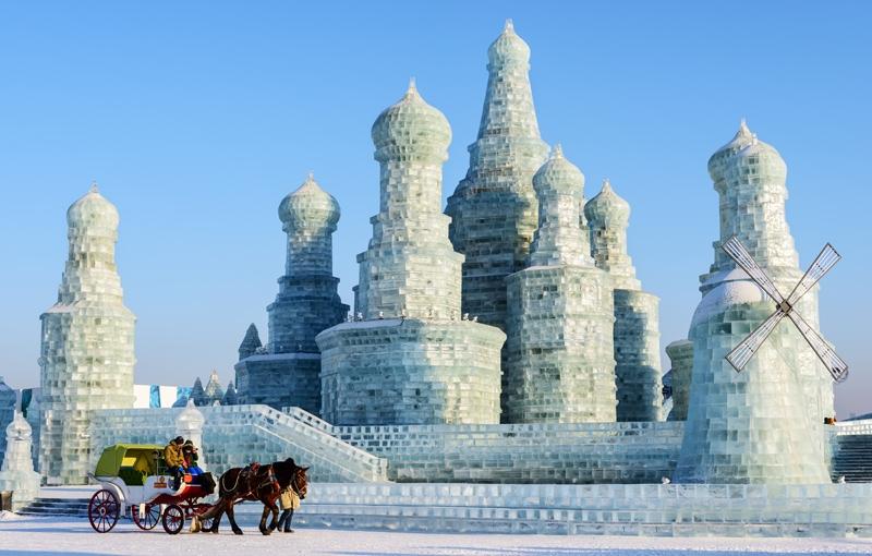 Koning Aap: Rondreis NOORD-KOREA EN CHINA WINTERREIS - 16 dagen; IJssculpturen, festivals en skibanen