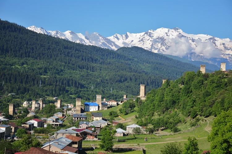 De oude wachttorens - Mestia - Georgië