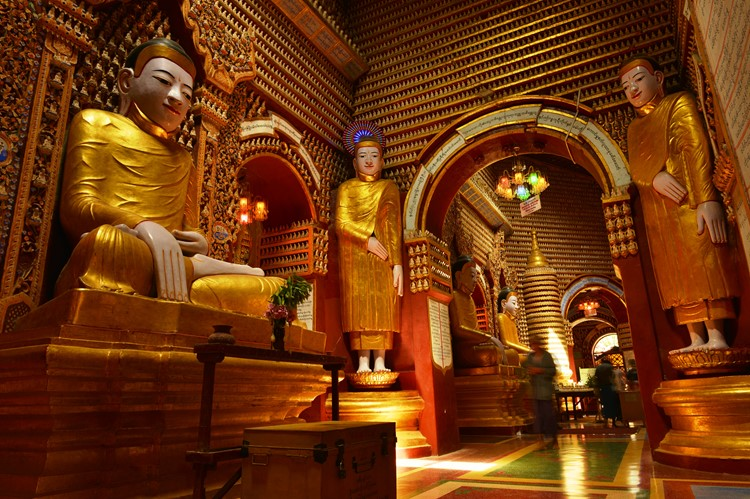 Thanboddhay pagode in Monywa - Myanmar