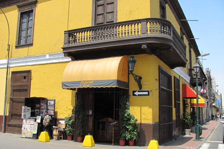 Cafeetje bij het San Francisco klooster - Lima - Peru