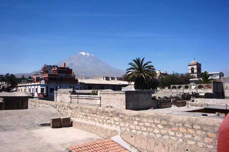 Misti vulkaan vanuit Arequipa  - Zuid Peru