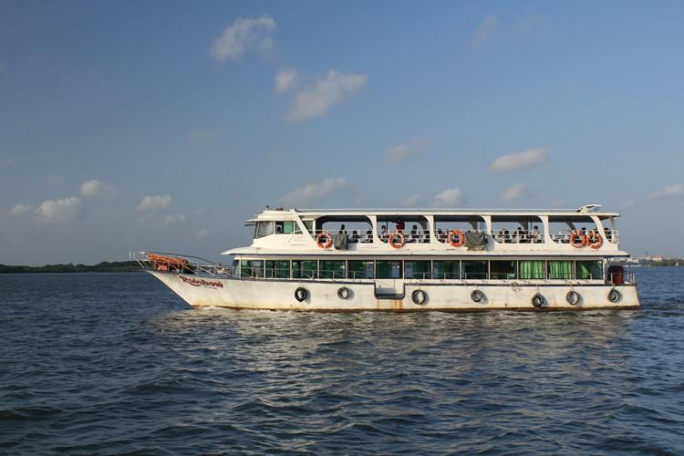 Ferry van Willingdon Island naar Fort Cochin