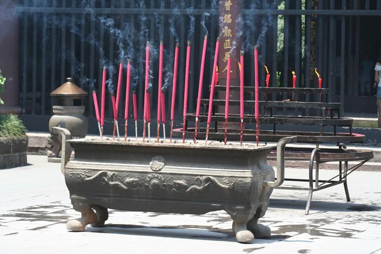 Wierook in een van de tempels in Chengdu