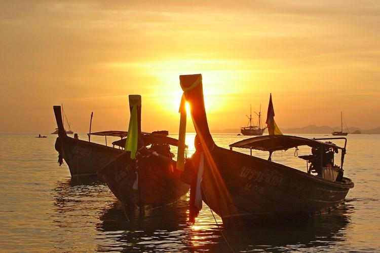 Zonsondergang in Phuket, Thailand