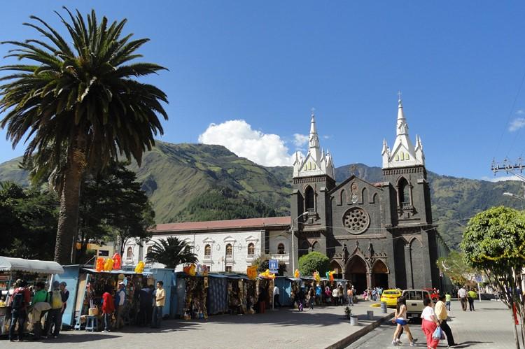 Het Parque la Basílica in Baños – Ecuador