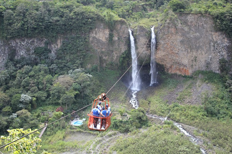 Cascada de Agoyan bij Baños – Ecuador
