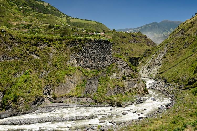 {Pastaza rivier nabij Baños – Ecuador