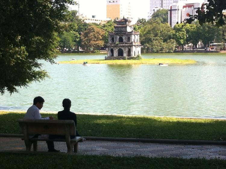 Het Hoan Kiem meer in Hanoi, Vietnam