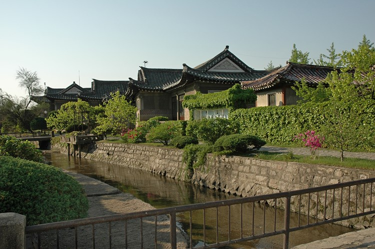 Kaesong Folkcustoms Hotel in Kaesong