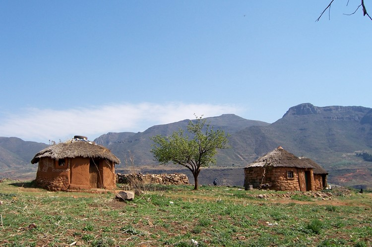 Traditionele hutten in Lesotho - Zuid-Afrika