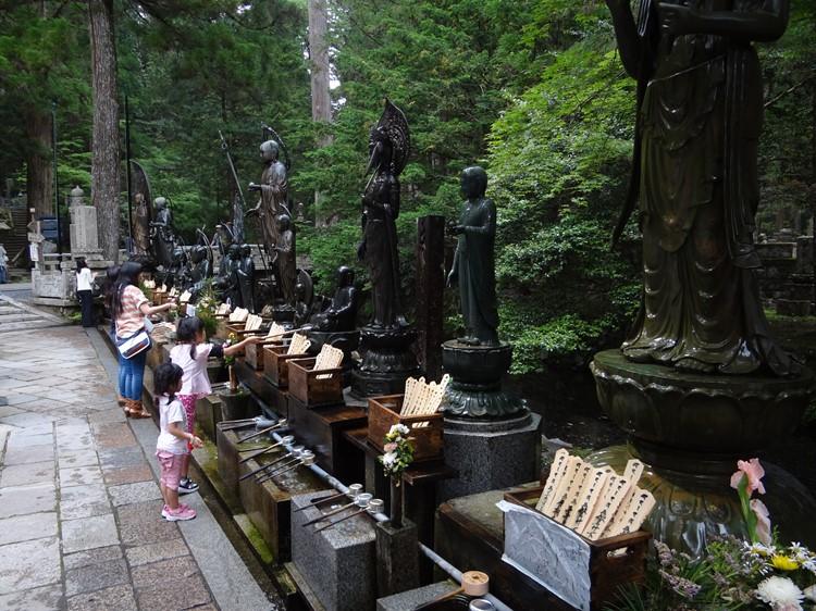 Koyasan begraafplaats - Koya-san - Honshu - Japan